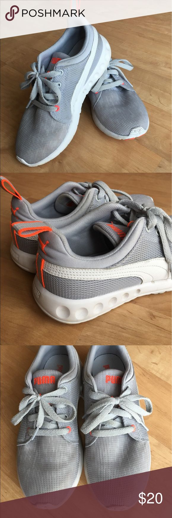 Women's Puma Tennis Shoes Gently worn women's athletic shoes. A few scuffs from walking in and out of the gym.  Just no longer reach for these anymore. Puma Shoes Athletic Shoes