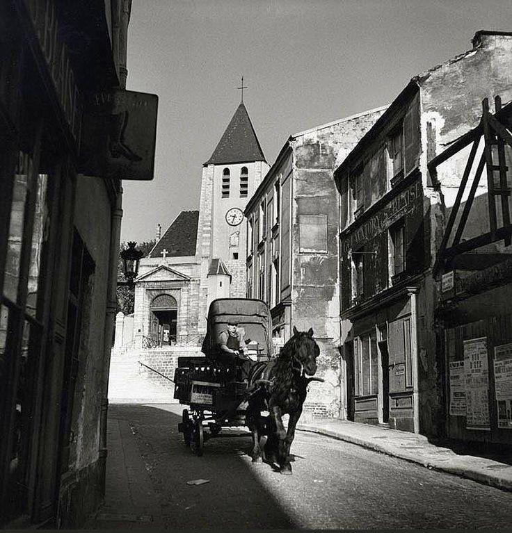 La rue Saint-Blaise vers 1940. Une photo de © Roger Schall. Paris 20ème.
