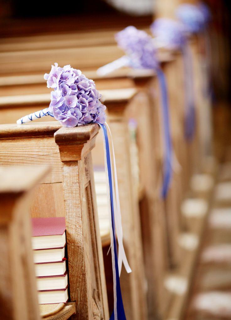 Ber ideen zu schleifenkr nze auf pinterest for Dekoration hochzeit kirche