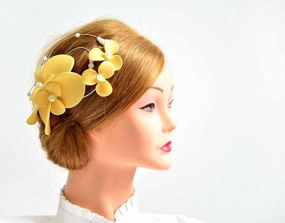 Hey, I found this really awesome Etsy listing at https://www.etsy.com/uk/listing/242719751/yellow-fascinator-wedding-headpiece