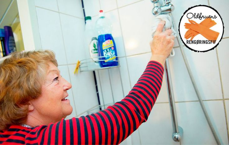 Hvordan fjerner jeg kalk og snavs i brusekabinen?