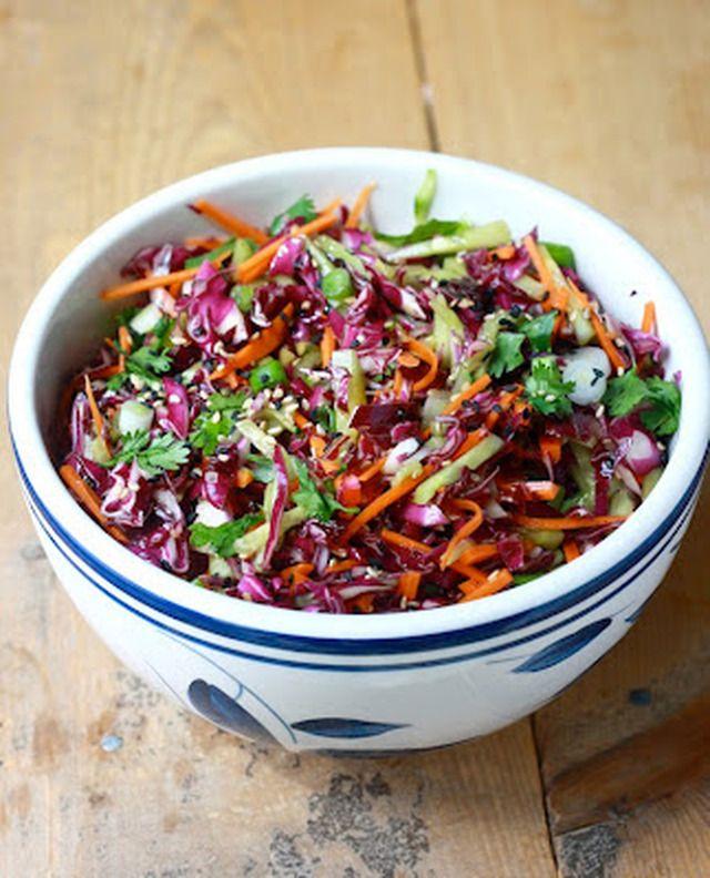 Rode Kool Salade met Oosterse dressing - myTaste.nl