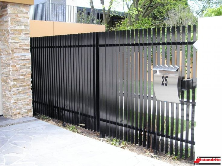 Modern Metal Fence Decorating 26 With Amazing Design On