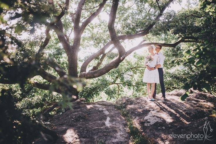 Dorka és Bence egy nagyon kedves pár, akiket öröm volt fotózni. Közvetlenek és nyitottak, és ez az egész esküvőn érezhető volt.Csodálatos környezetben, a szentbékkálai Kőtengernél mondták ki egymásnak az igent.Nagyon jó esküvő volt, boldogan néztem én is vissza a… Weddings in Hungary. Wedding photographer