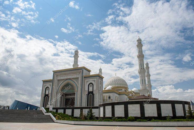 Hazret Sultan Mosque City Nur Sultan Beautiful White Building Mosque St Aff Mosque City Hazret Sultan Ad Sultan Mosque White Building Mosque