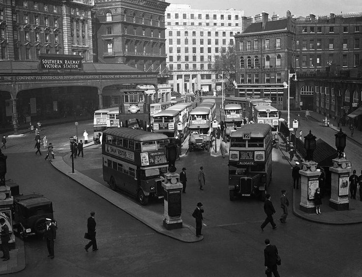Looking very clean and smart, Victoria bus station in 1937