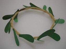 Kotinos- Greek olive branch crown Olympics craft for kids.  -  Pinned by @PediaStaff – Please Visit http://ht.ly/63sNt for all our pediatric therapy pins