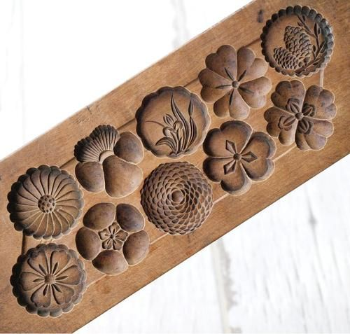 Japanese Antique Kashigata Flower Pattern Hand Carved Wooden Cake Mold