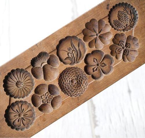 RARE Japanese Antique Kashigata Flower Pattern Hand Carved Wooden Cake Mold.