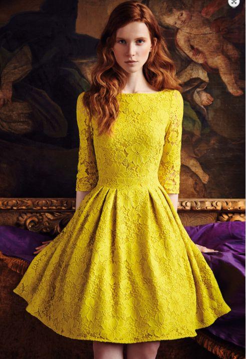 Cómo combinar un vestido amarillo para ir de boda | Bodas
