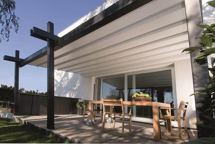 Mit der Pergola Lounge hat der Markisenhersteller Leiner ein exklusives Terrassenfaltdach entwickelt, das aus jeder Terrasse eine Wohlfühloase macht.
