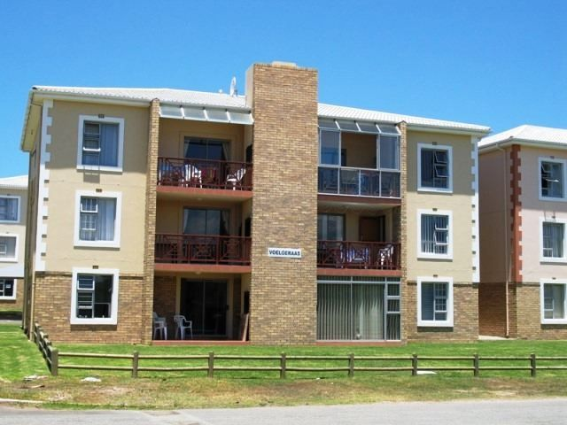 Hartenbos Holiday Apartment - Hartenbos Holiday Apartment is situated in Hartenbos, on the Garden Route between George and Mossel Bay.  The apartment is within walking distance to the beach, restaurants and shops.  The self-catering ... #weekendgetaways #hartenbos #gardenroute #southafrica