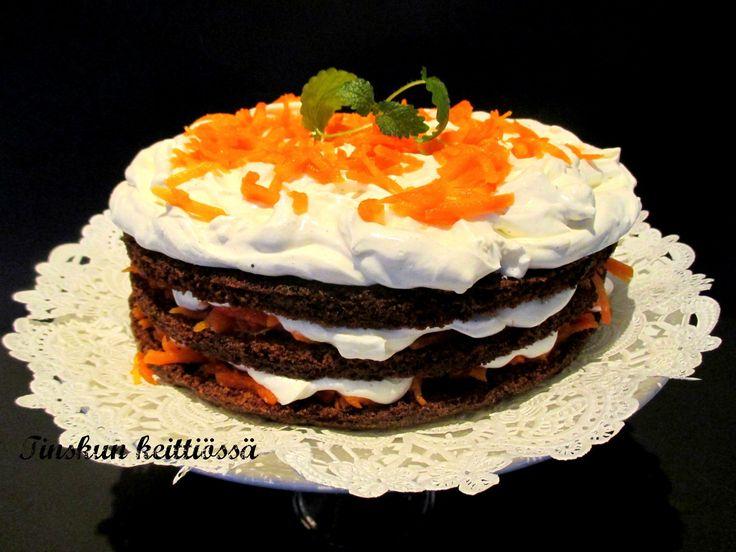 Porkkanakakun uusi ilme Naked cake tyyliin: Tinskun keittiössä
