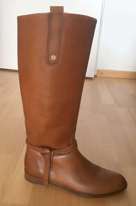 Sehr schöne Leder-Stiefel von Massimo Dutti, Größe 42, passt auch einer großen 41.  Zustand wie neu: Ein Mal nur auf der S...