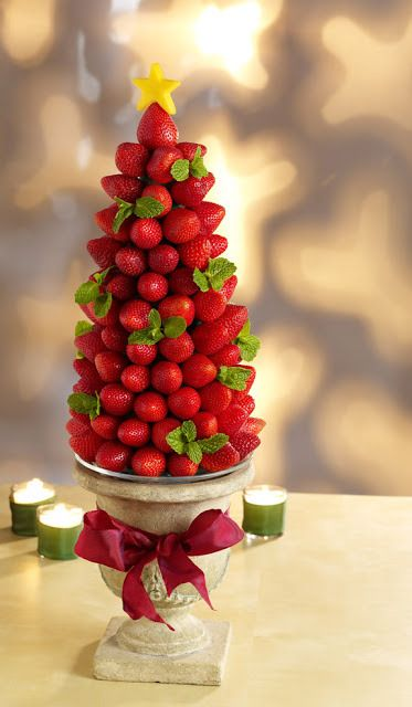 how to make a strawberry topiary tree