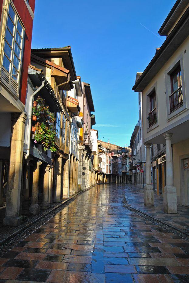 Asturias (Principiado de Asturias) - Calle Rivero, Avilés