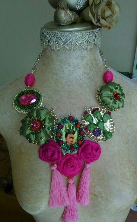 Collar Frida kahlo 333 508 58 55 diseñado por Deseos Divinos Gdl