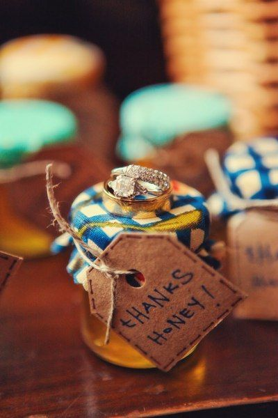 we're meant to bee, honey..    wedding favors for your favorite friends. how sweet!