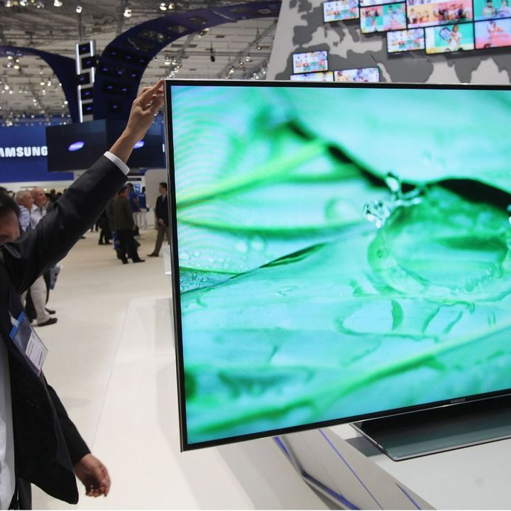 Hackers at the security conference Black Hat showed that Samsung Smart TVs can be hacked and turned into surveillance tools.
