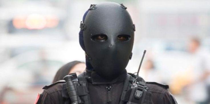 Embora possua uma ampla área à prova de balas, o efeito mais pronunciado das armaduras parece ser a intimidação, deixando a impressão de que um efetivo de clones saiu do pesadelo de alguém