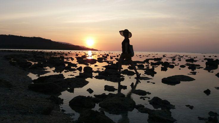 After the Sunset..Romantic view at Sika Island - Alor NTT Indonesia..no filter needed 😍😍😍 #AlorNTT #indonesiahebat #pesonaindonesia #kaintenunikat
