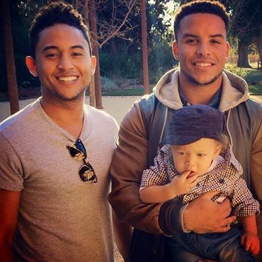 Tia Tamera's Brothers; Tahj and Tavior Mowry with baby Aden:-) ][ LoveCrossesBorders