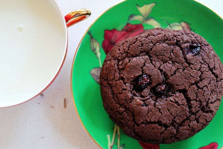 Cherry cookies, Sour cherry and Bakeries on Pinterest