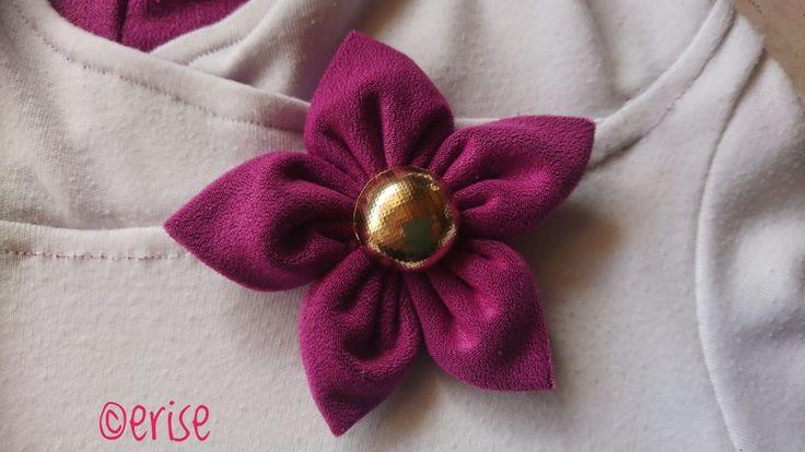 les 25 meilleures id es de la cat gorie tutoriel fleurs en tissu sur pinterest fleurs en tissu. Black Bedroom Furniture Sets. Home Design Ideas