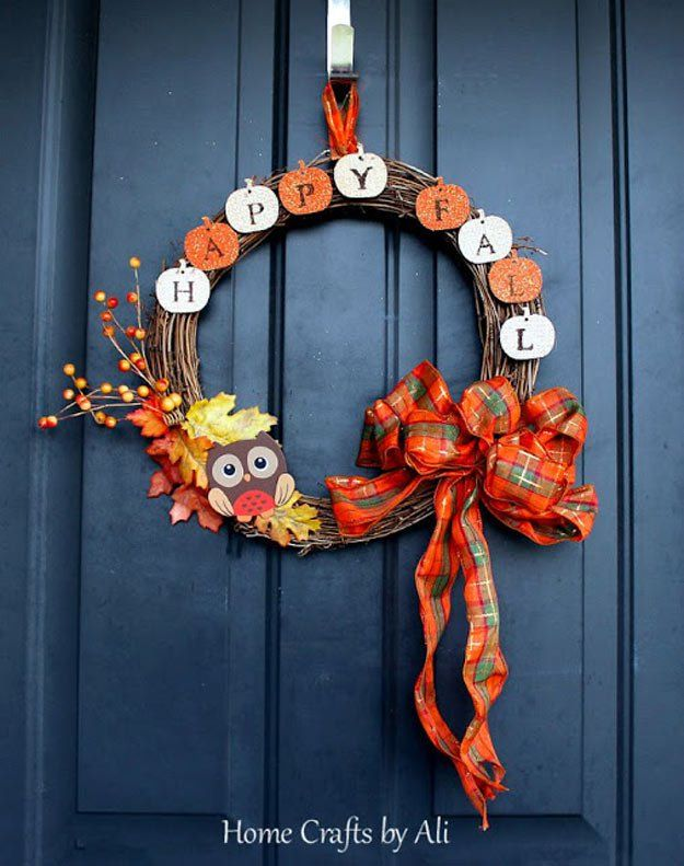 Check out 18 Fall Wreath Ideas For Your Front Door at http://pioneersettler.com/fall-wreath-ideas-for-front-door/