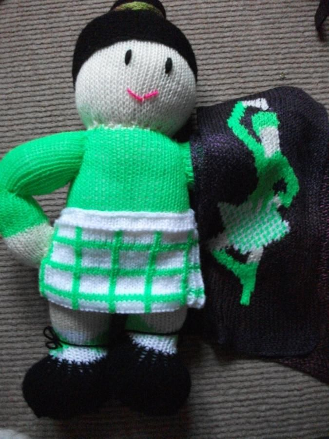 Highland Dancer Doll and Matching Scarf - Knitting creation by mobilecrafts | Knit.Community