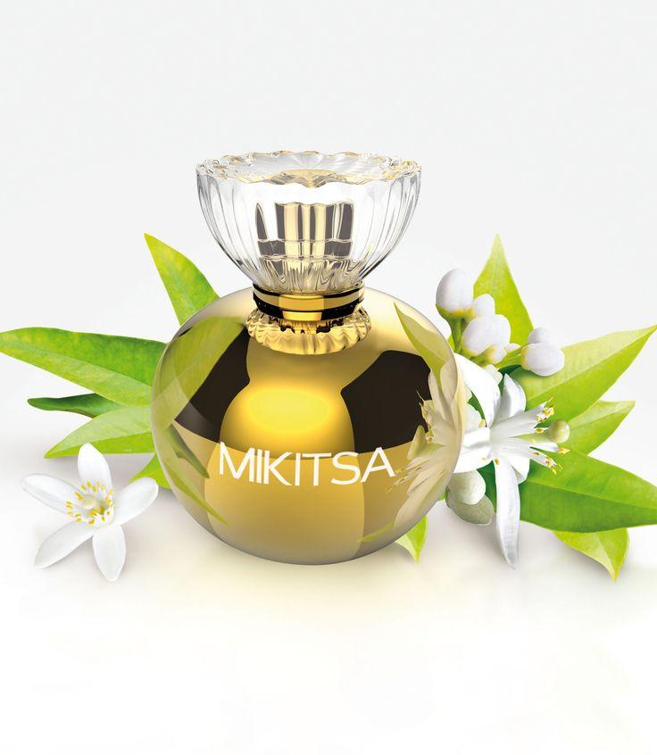 MIKITSA : Un parfum aux sonorités japonaises qui, sous les ors du soleil levant, célèbre une femme resplendissante, délicate et séduisante. Ce fleuri musqué trouve une place unique dans la collection FREDERIC M ; il ravira le coeur des femmes esthètes, assumant pleinement leur part de romantisme et de séduction, dans une approche généreuse, fruitée à la rencontre, mais captivante et sûre d'elle au sillage. #perfumes #fredericm #parfums #mlm #grasse #fragrance #femme #woman