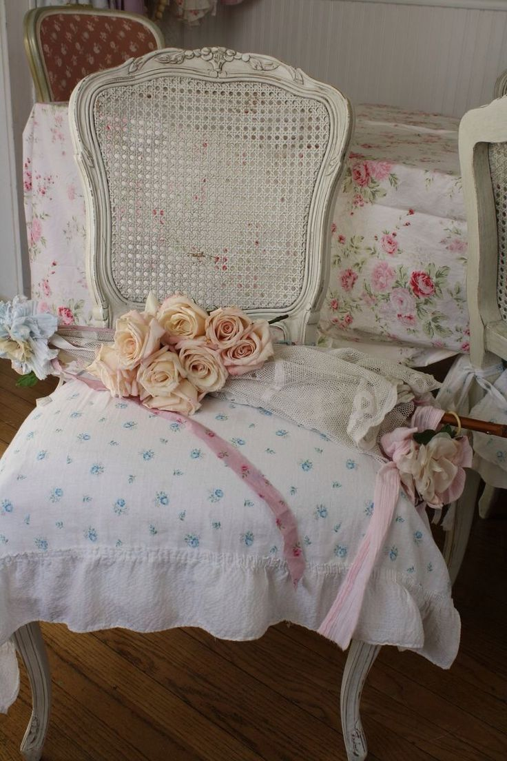 Cozy cottage slipcovers new office chair slipcovers - Shabby Chic Idea For Covering Painting Chair