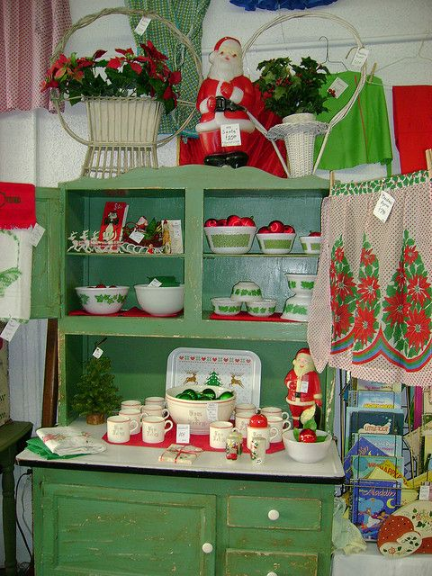 Christmas magic throughout the house!!! Bebe'!!! Love this festive kitchen!!!