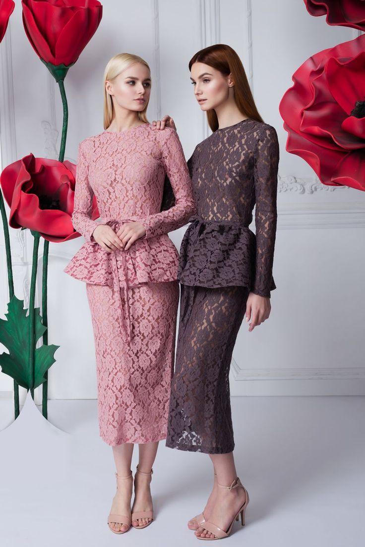 Платье «Эльза» розовое с баской — 23990 рублей, Платье «Эльза» пыльная роза с баской — 19 990 рублей