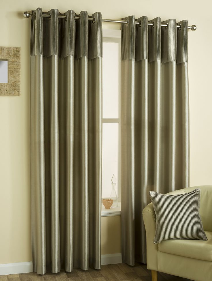 Classic Border Ready Made Lined Eyelet Curtains