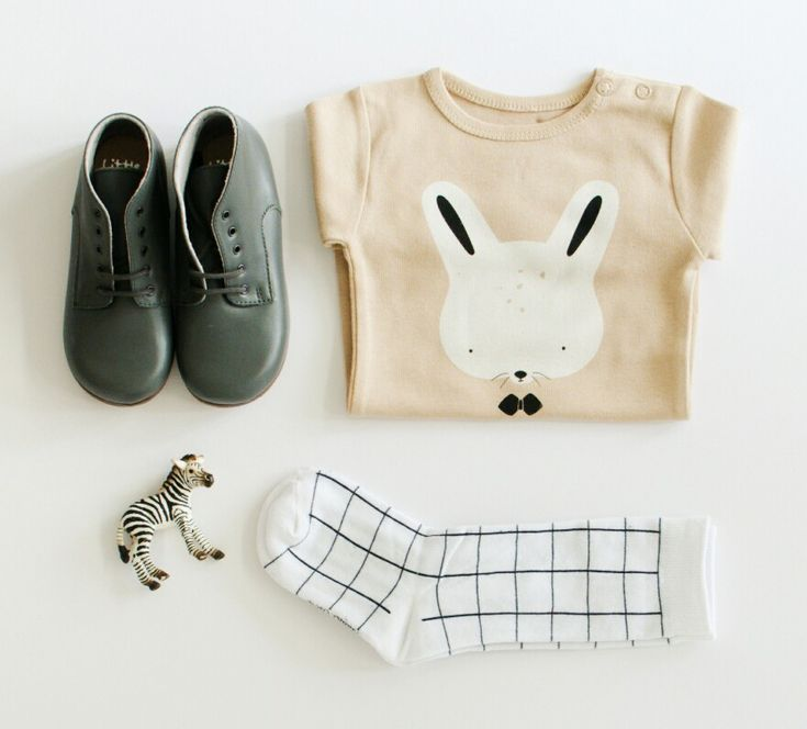 Cute kids clothing. Bunny t-shirt. Vintage inspired.