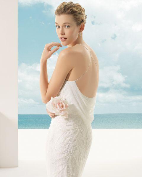 Lockige Haare? Dann wird es Zeit, gewelltes Haar als Brautlook 2016 zu versuchen! Entdecken Sie unsere Auswahl! Image: 0
