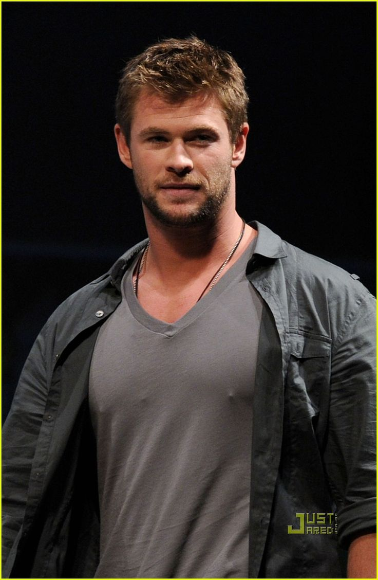 I think this guy is prettier than me!   chris hemsworth