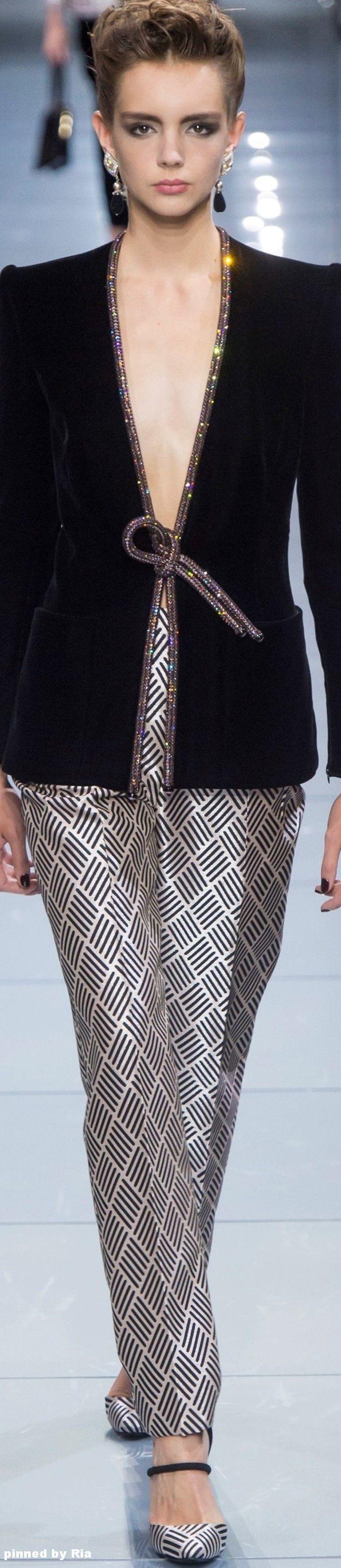 Giorgio Armani Prive` FW 2016-17 Couture l Ria                                                                                                                                                                                 Más