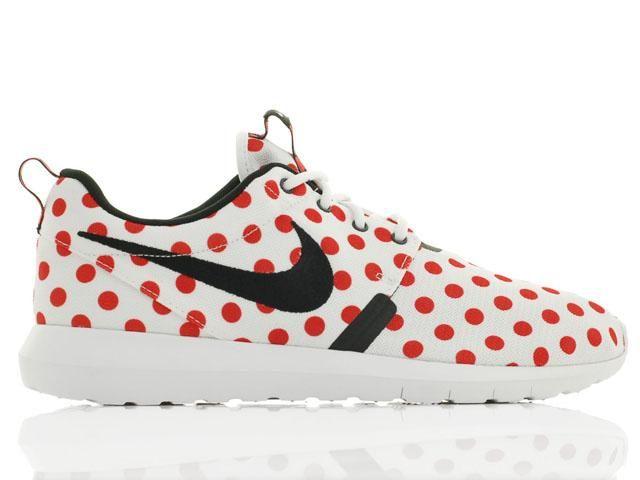 Nike Roshe Natural Motion QS Scarpe Da Corsa Bianco Rosso Dot Online €62,06