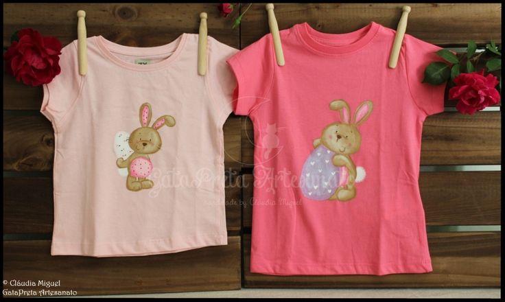 """T-shirts de criança e mochilas """"Pulinho de Coelho""""."""