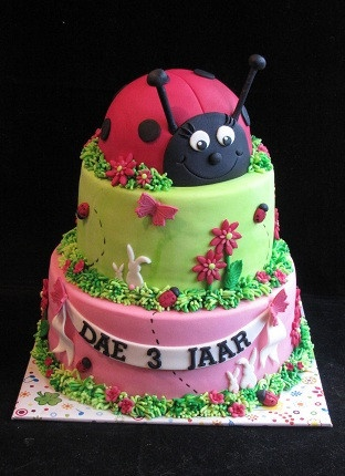 Cake for Ava: Ladybug Mariquitas, Taartje Voor, Ladybug Cakes, Cake S Birthday S, Cake Cake Ideas, Cake Pops, Favorite Recipes, Birthday Cakes