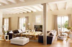 Tres por uno  La decoradora Marisa García-Forte diseñó este gran salón con tres ambientes: un espacio lineal donde se suceden el salón con s...
