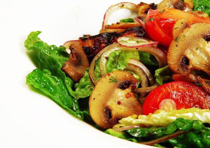 Düşük kalorili sebzelerin başında gelen mantar, doğru pişirildiğinde hemen hemen tüm diyet içeriklerinin en kıymetli tarifleri arasında yer alıyor.
