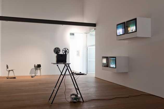 Moniek Toebosch, Hello darling, is it raining outside? (1976-2011). © Jordi Huisman, Museum De Paviljoens