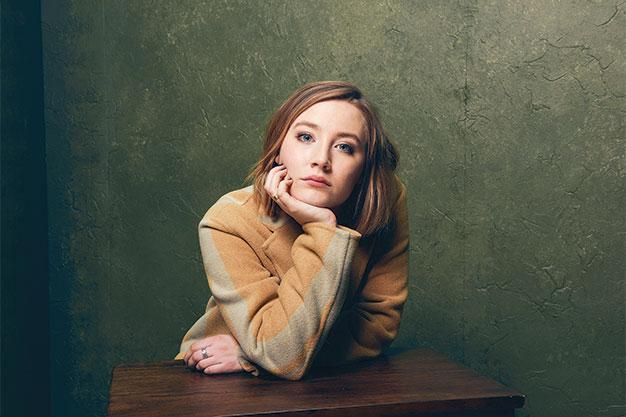 .@saoirse_ronan has grown up and graduated to another awards-worthy performance in #Brooklyn http://now.uz/1FyFXvg