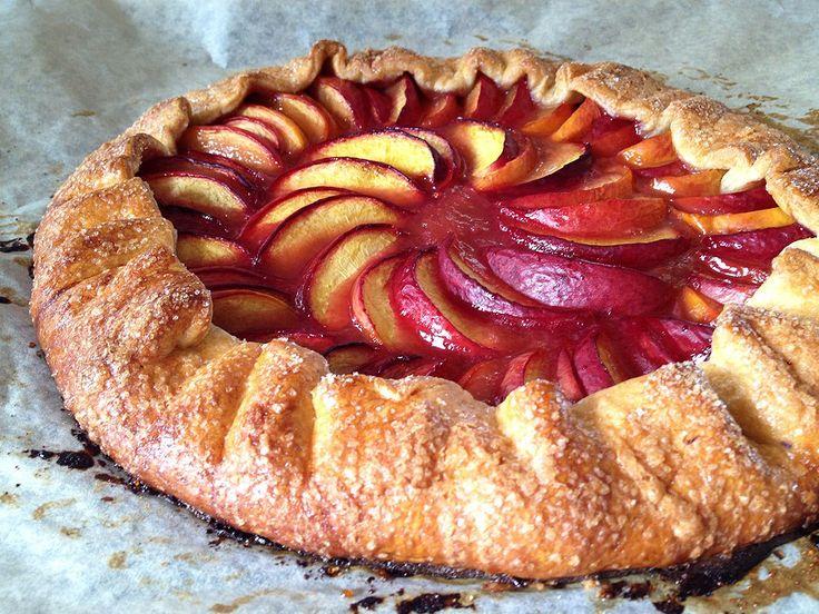 recetas rápidas y fáciles tartas recetas rápidas fáciles tartas frutas postres tartas rápidas postres rápidos caseros postres nórdicos postres delikatissen postres con fruta y masa Galette de nectarinas y ruibarbo