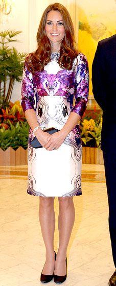 The Duchess of Cambridge in Prabal Gurung dress & Prada pumps.
