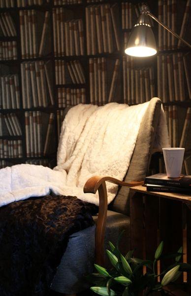 Monimo HOME Blanket White/Black L 70,9 x57,1 in (180 x 145 cm)