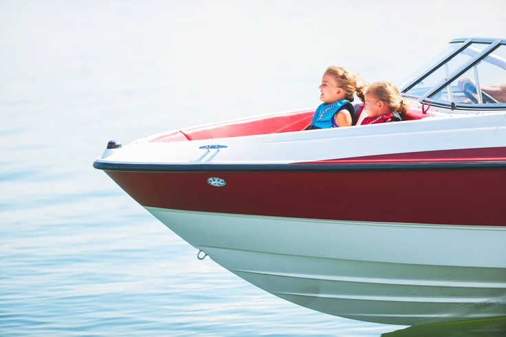 Sit back, relax and enjoy the ride on Bayliner's 185 Bowrider! #summer #boats